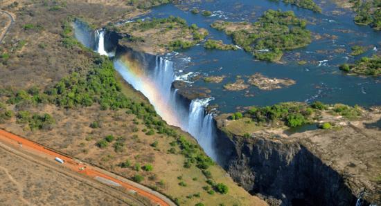 Vista de helicóptero das Cataratas Vitória — Aventura em Victoria Falls