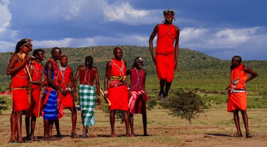 "Dança ""adumu"", costume da tribo Maasai, Tanzânia - Wikimedia Commons"