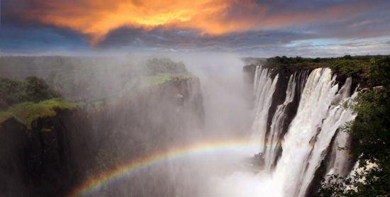 Arco-íris e Cataratas Vitória: um verdadeiro colírio para os olhos e a alma