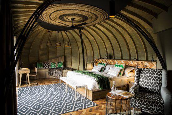 Eine der schönsten Unterkünfte in Ruanda: Das stylische Interieur der Bisate Lodge
