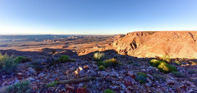 Fish River Canyon et grands espaces dans le sud de la Namibie.