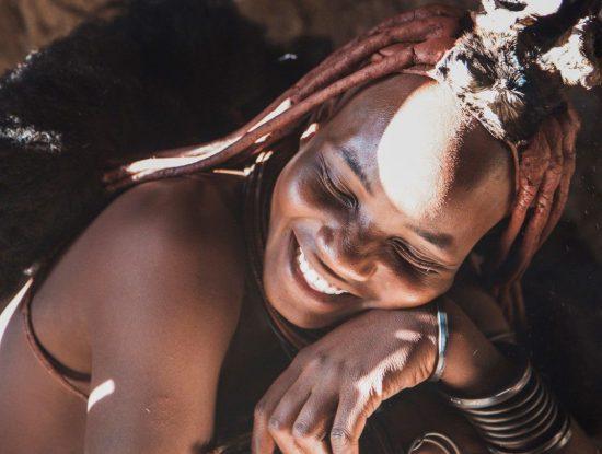 Los tradicionales peinados de las mujeres Himba