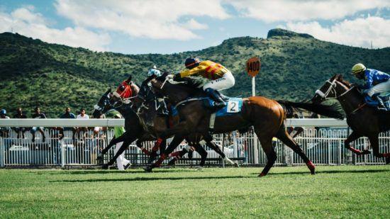 Szene eines Pferderennens auf Mauritius