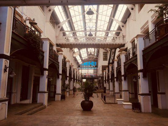 Glaspavillion im Kolonialstil