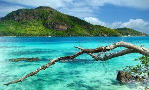 Vistas de la Bahía de Santa Ana, en las Islas Seychelles