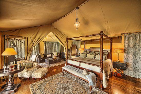 Ein Schlafzimmer in einem Luxuszelt