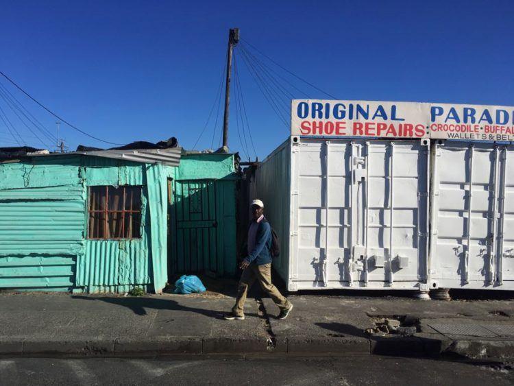 Dans les rues de Khayelitsha, township où se concentre les problèmes de sécurité en Afrique du Sud et au Cap.