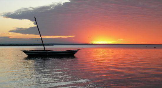 Malerischer Sonnenuntergang im Archipel Quirimbas