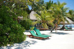 Bikini Beach auf einer der Einheimischen-Inseln der Malediven