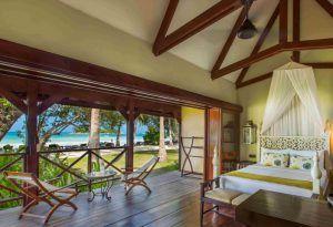 Zimmer des Paradise Sun Beach Hotels m it Blick auf den indischen Ozean
