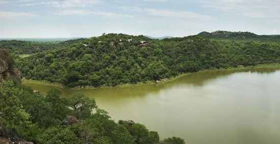 Tramo del río Zambezi en su paso por Zimbabue