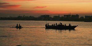 Dar-es-salaam, Tanzanie, au coucher du soleil, une des villes d'Afrique à ne pas manquer