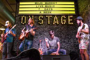 Livemusik am Mojo Market