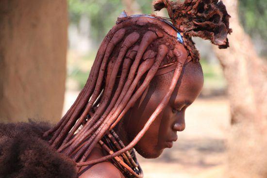 Ein Kopf und Frisur
