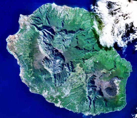 Die Insel La Réunion vom Weltraum aus betrachtet - La Réunion Reiseführer