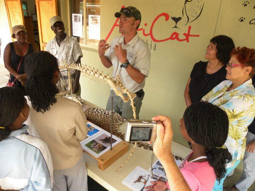 Aufklärung durch AfriCat im Okonjima Luxury Bush Camp