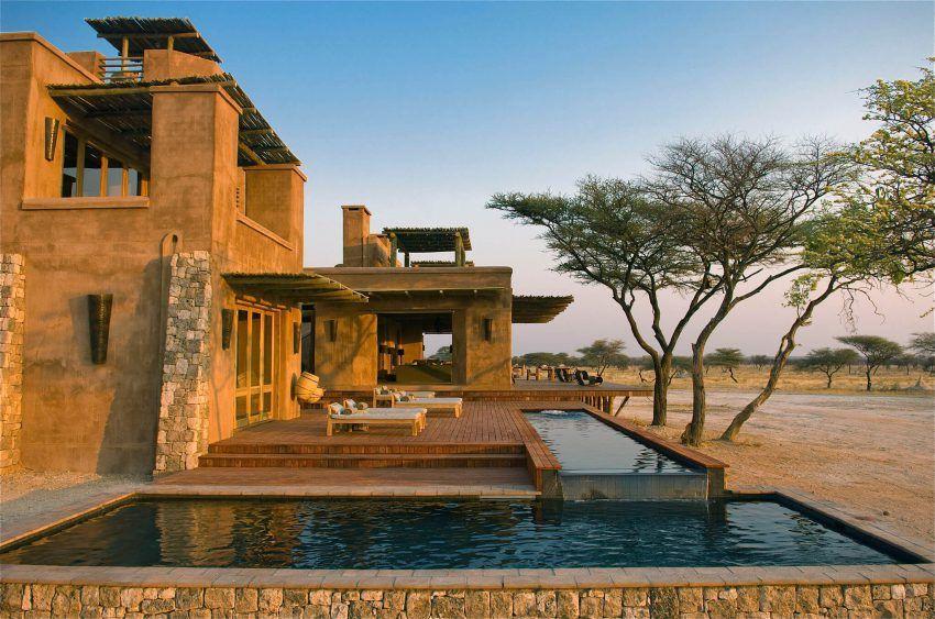 Swimmingpool in Onguma The Fort