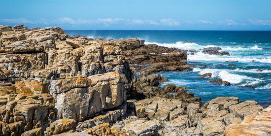 Romantische Garden Route, Südafrika: Felsenreiche Küste von St. Francis Bay