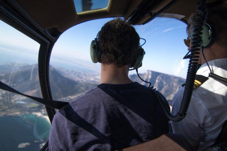 Vol en hélicoptère au dessus de la ville du Cap