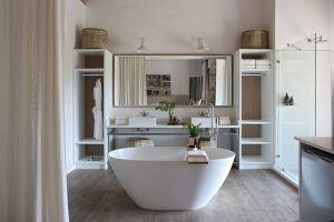 Salle de bain minimaliste à Londolozi Varty Camp
