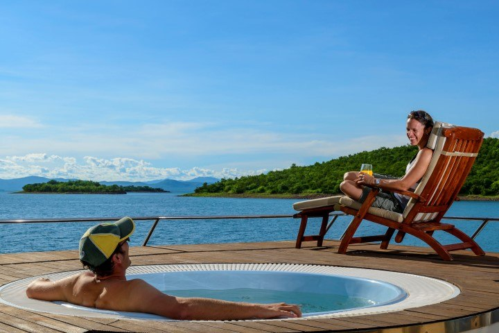 Guests on the Matusadona can lounge or partake in daily activities