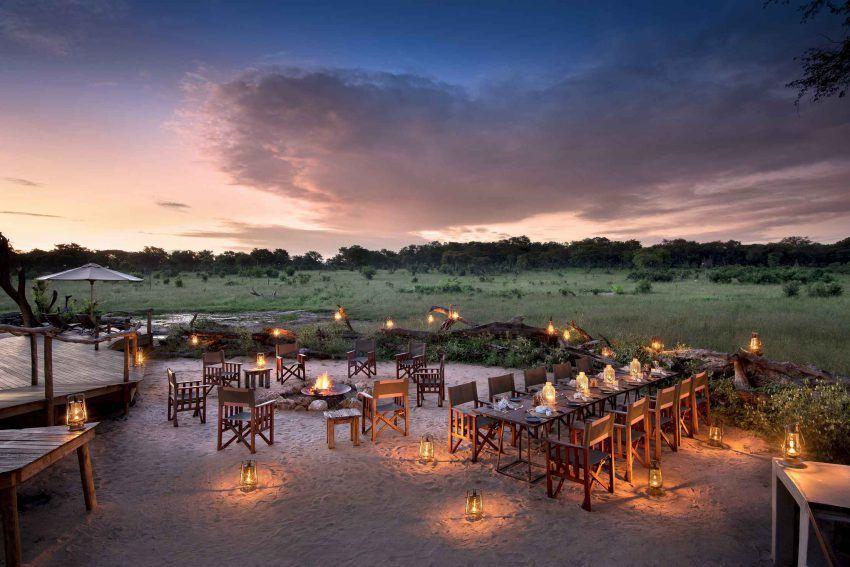 Abendessen unter afrikanischem Himmel