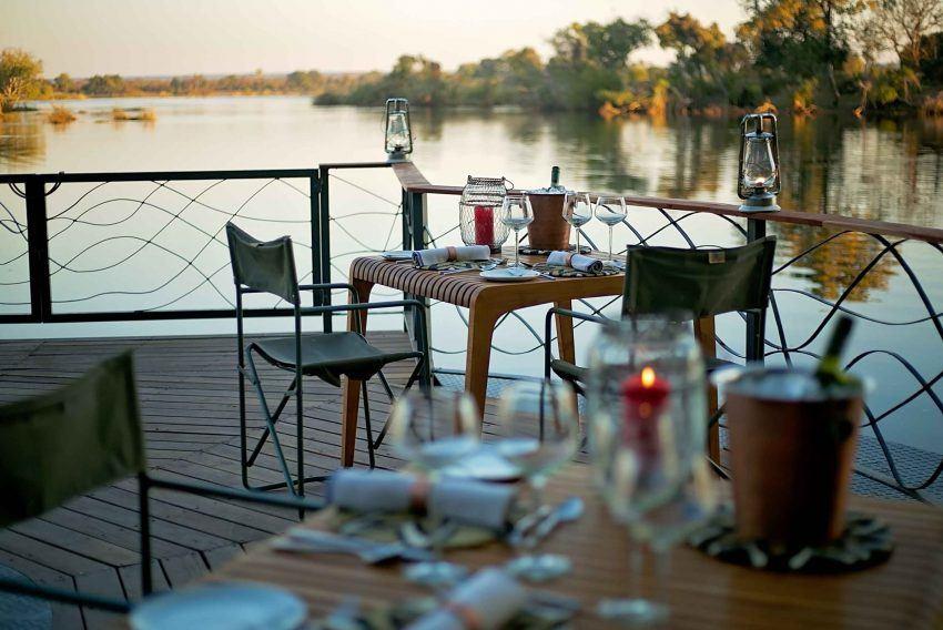 Abendstimmung am Sambesi in der Thorntree River Lodge