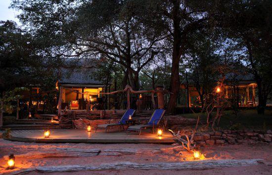 Changa Safari Camp lies on the shores of Lake Kariba
