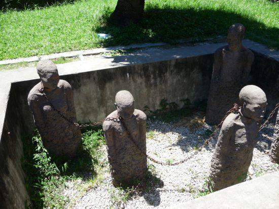 Uno de los monumentos que homenajea a los esclavos en Zanzíbar