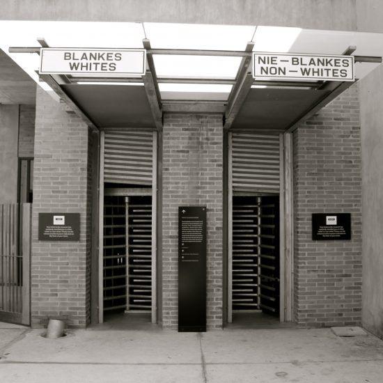 Entrada al Museo del Apartheid