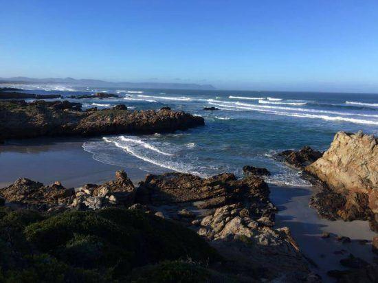 Praia de Kammabaai, Hermanus. Foto: Nathalia Marangoni