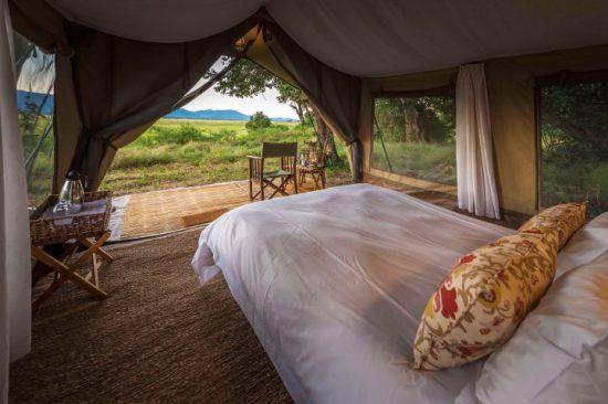 Die Inneneinrichtung in einem Safari-Zelt des John's Camps