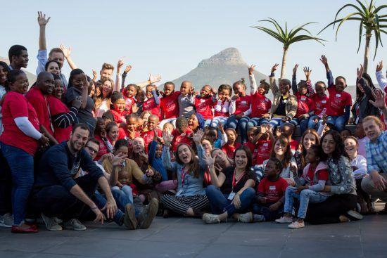 Les enfants de Khumbulani et Rhino Africa célébrant le Mandela Day