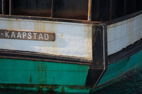 Bateau du port de Gansbaai sur la Route des Baleines en Afrique du Sud.