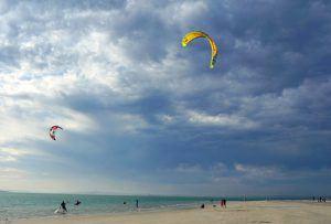 Kitesurfer in der Lagune von Langebaan