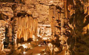 Practica espeleología en las cuevas de Oudsthoorn