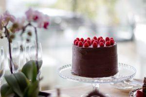 Una tarta de chocolate con frambuesas para finalizar el High Tea en Mannabay