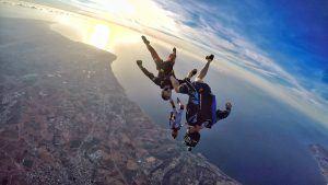 Deportes de riesgo en Sudáfrica: paracaidismo en Jeffrey's Bay