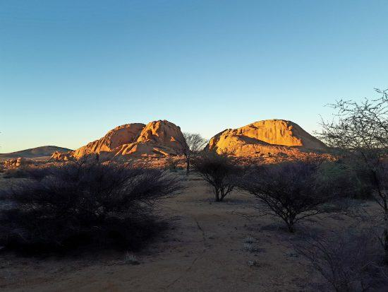 Amanece en Namibia