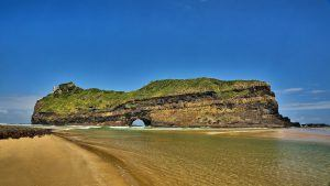 hole-in-the-wall-at-coffee-bay-eastern-cape-south-africa