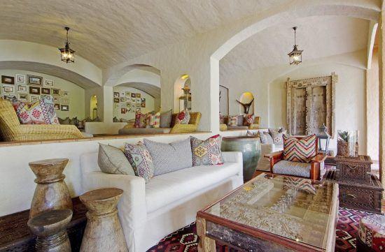 L'intérieur du salon de Chobe Game Lodge, top adresse en Afrique