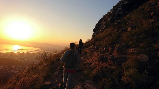 Uma dia em que subimos a Lion's Head ao nascer do sol... privilégios nutridos por quem mora na Cidade do Cabo