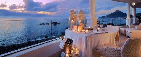 Ciudad del Cabo ofrece una gran variedad de restaurantes para disfrutar del ambiente más romántico.