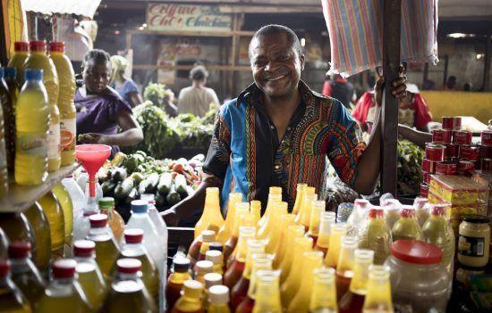Kulinarische Köstlichkeiten auf einem Markt in der Republik Kongo