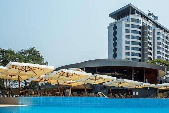 Radisson Blu, tu mejor opción a la hora de alojarte en la capital congoleña.