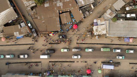 El ordenado caos de Brazzaville bien merece dedicarle tiempo.