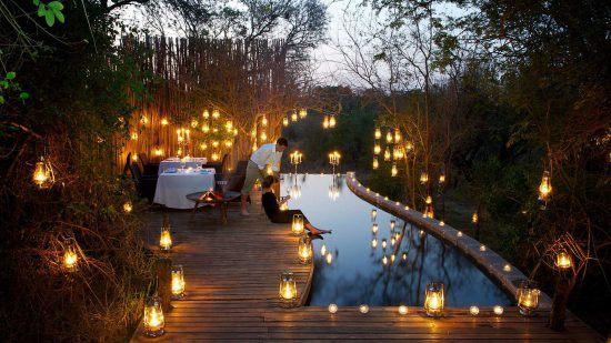 Campements du Parc Kruger | Une jolie piscine et terrasse extérieure au Pioneer Camp
