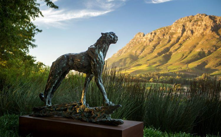 Delaire Graff cheetah statue by Dylan Lewis