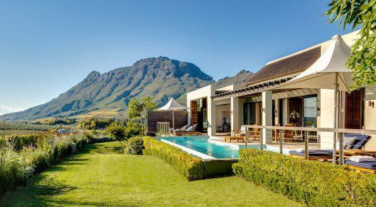 Die Presidential Lodge mit Pool und Garten von Delaire Graff im Kap-Weinland