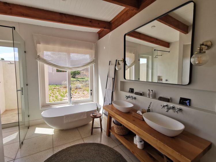 Bathroom at Cederberg Ridge Wilderness Lodge